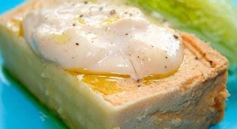 Cocinatis cuatro recetas con pan para semana santa - Aperitivos con bacalao ...