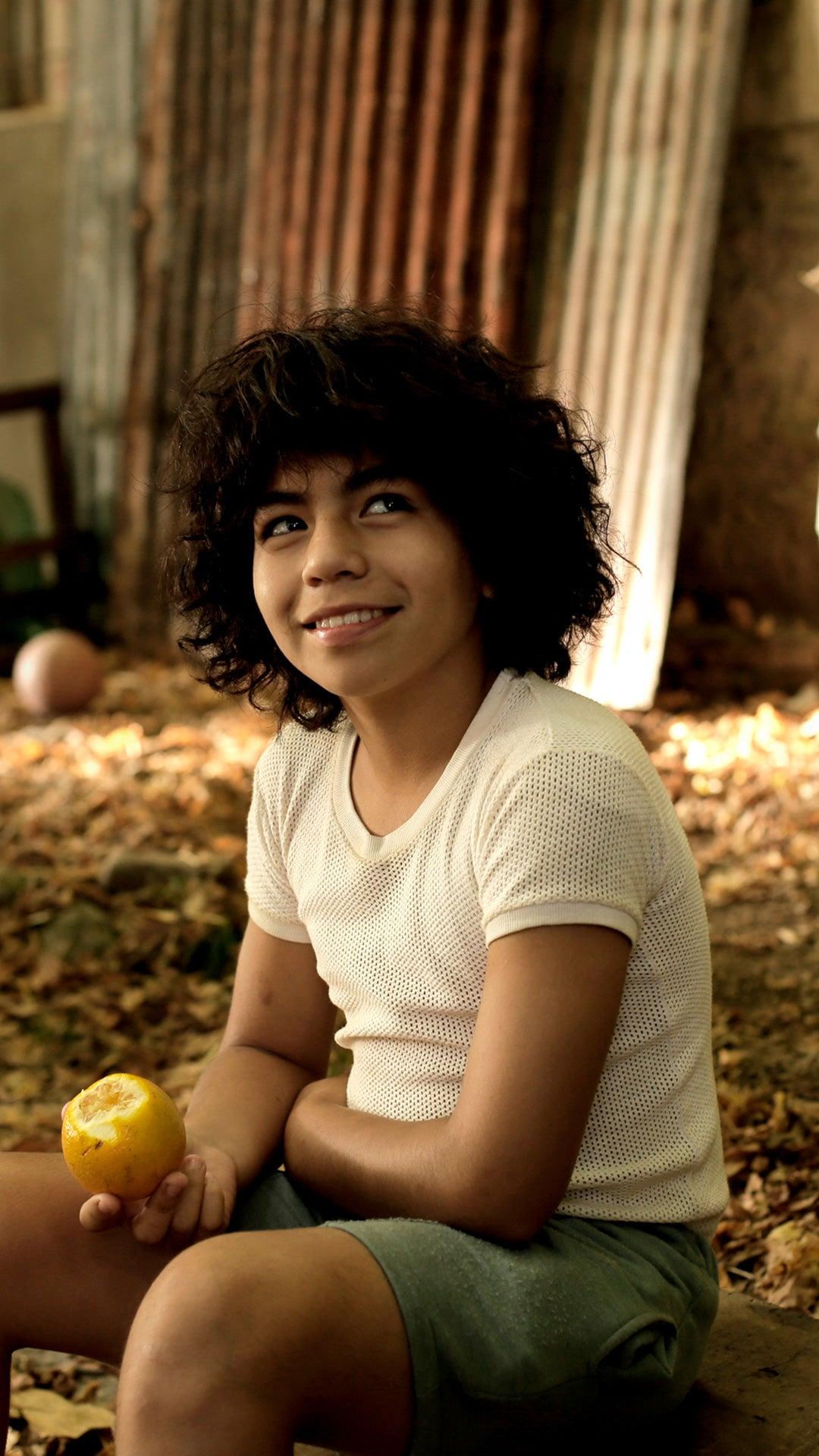 Nicolás Goldschmidt interpreta a Maradona durante su niñez.